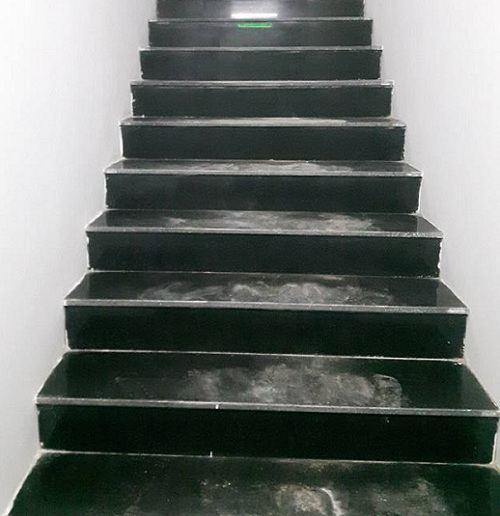 Có nên sử dụng gạch lát cầu thang Viglacera? Đánh giá chính xác từ chuyên môn