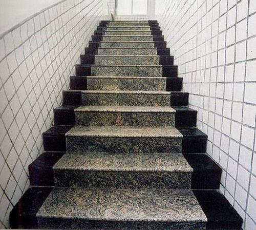 gạch lát cầu thang viglacera 1