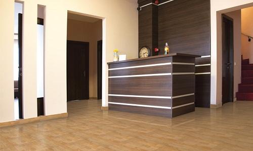 gạch lát nền màu gỗ