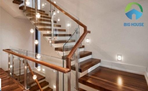 Đặc điểm, tính chất và Lý do chọn gạch lát cầu thang giả vân gỗ