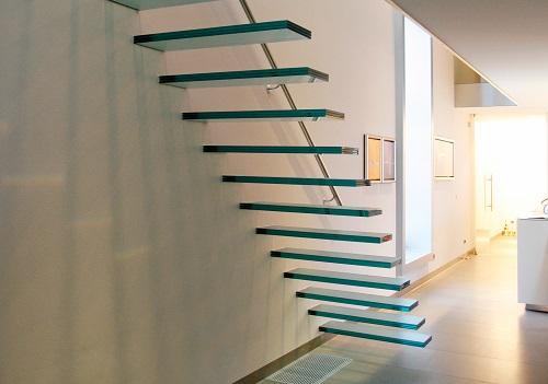 cầu thang nhà ống 2 tầng 9