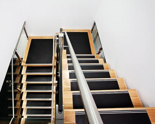 cầu thang 2 chiếu nghỉ 3